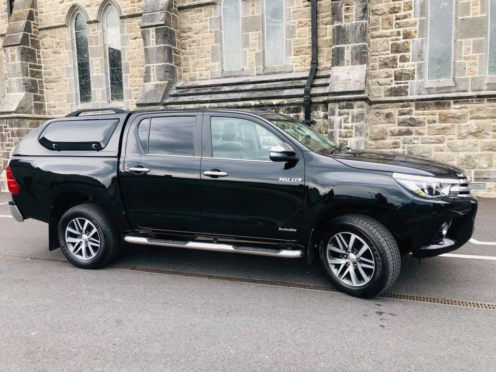 2017 Toyota Hilux Invincible - Full Finance Options